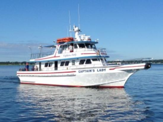 Plum Island, MA: The boat for the full day trip
