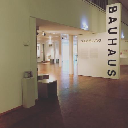 bauhaus museum berlin extrahierger t f r polsterm bel. Black Bedroom Furniture Sets. Home Design Ideas
