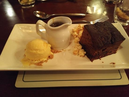 Thurnham, UK: Sticky Toffee Pudding : Delicious
