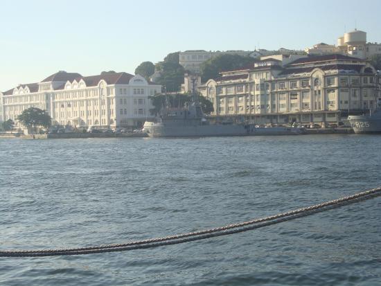 Navio Museu Bauru: Vista da embarcação para a Baía