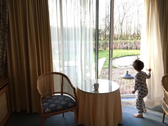 Born, Niederlande: Sliding glass doors/terrace - only plus!