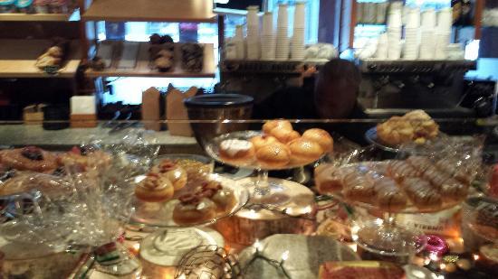 Portobello Market & Fresh Bakery : 20151219_151452_large.jpg