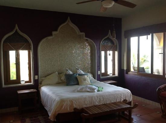 The Taj Majahual: Master Bedroom