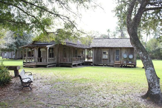pioneer house - Picture of Fort Christmas Historical Park ...
