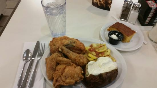 Coburg, Oregón: Excellent Broasted (Aka Fried Chicken)