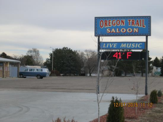 Gering, NE: Oregon Trail Saloon (Lounge) sign