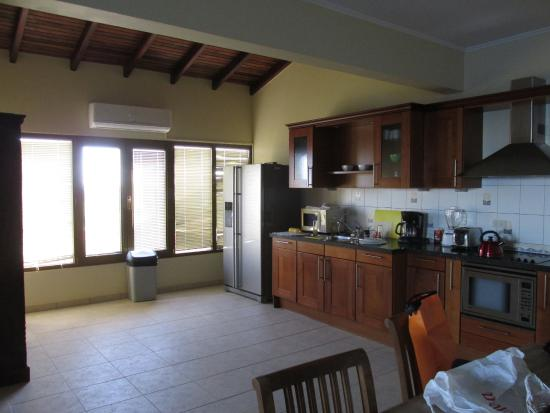 Bellafonte Luxury Oceanfront Hotel : Cocina