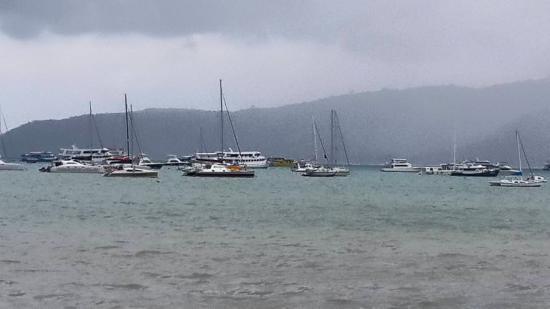 Ao Chalong Yacht Club Restaurant: The view on a rainy Sunday
