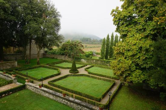 Villa di Piazzano: Garden view from our room