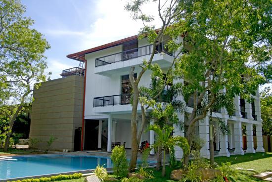 DiyaDahara Resort