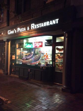 Gino's Pizza: 外観