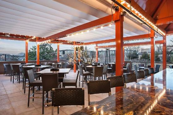 Kona Grill Rooftop Area No One Under 18 After 9pm
