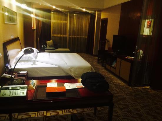 Empark Grand Hotel Kunming : view towards window