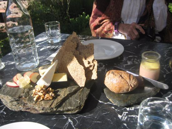 Arrowtown, Nowa Zelandia: Our delicious Cheese Board and Pate