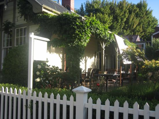 Arrowtown, Nowa Zelandia: Our table...such a beautiful evening to dine alfresco
