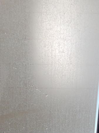 Inglewood, Australia: Soap Scum on Shower Screen