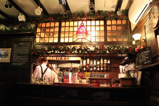 Ye Olde Mitre: Gorgeous wee intimate bar full of history