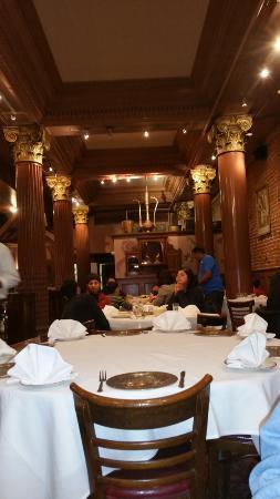 New Delhi Restaurant : One main dining area
