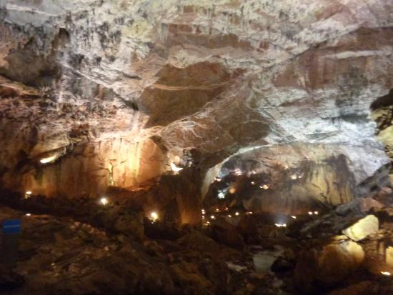 Cueva: fotografía de Cuevas de Valporquero, Valporquero de Torío - TripAdvisor