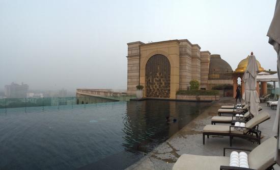 The Leela Palace New Delhi: Infinitiy Pool