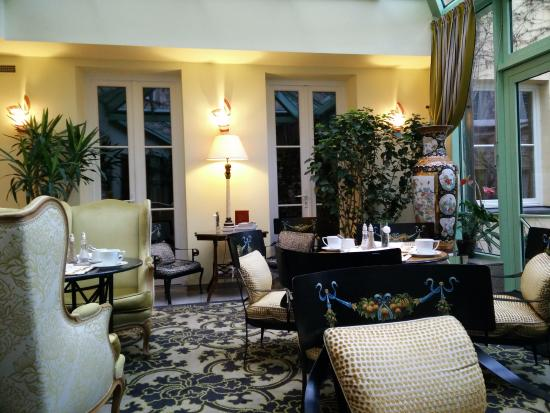 Stikliai Hotel and Restaurant: winter garden/breakfast area