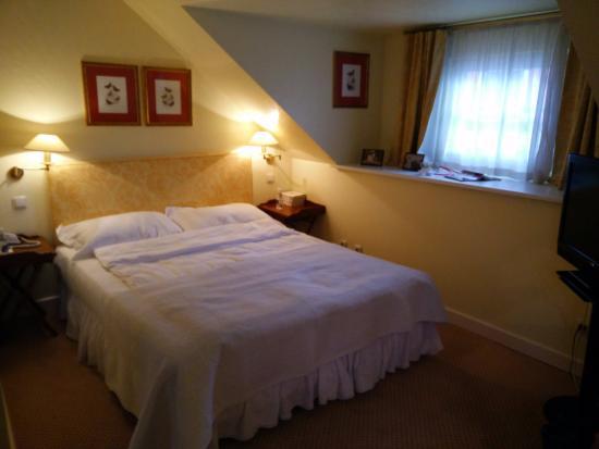 Stikliai Hotel and Restaurant: bedroom