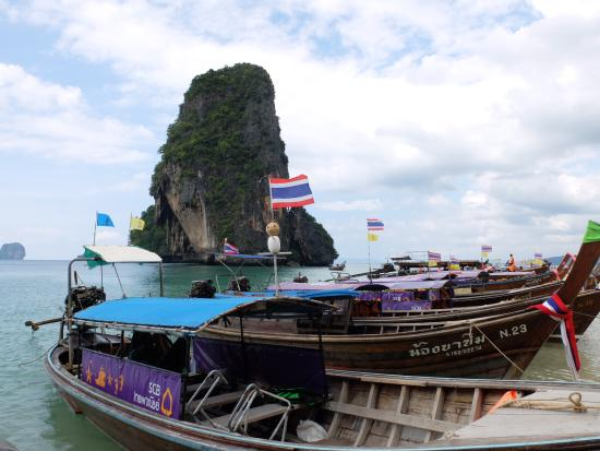 Mandawee Resort & Spa: เรือที่พาทัวร์