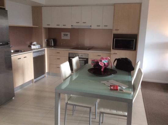 Chancellor Lakeside Apartments: photo1.jpg