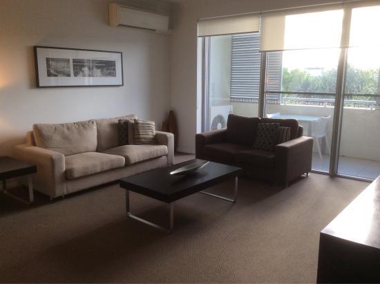 Chancellor Lakeside Apartments: photo2.jpg