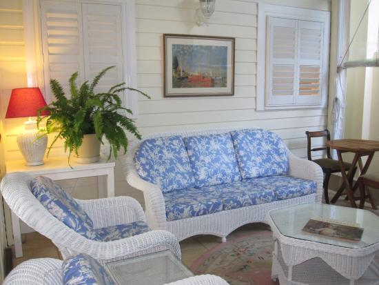 South Beach Bed and Breakfast: Guest lounge
