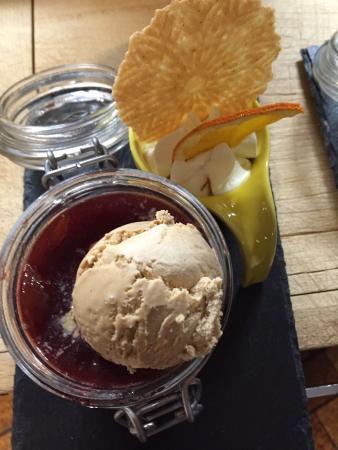 """Dallenwil, Швейцария: Alpenrestaurant Wirzweli - Dessert """"Zwetschgenlisi"""""""