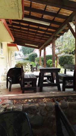 Bakfar Kfar Szold Country Lodging: Front porch