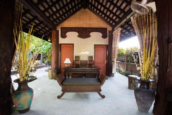 Saraphi, Tailandia: Check In Lounge