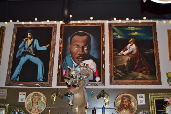 Sister Louisas Church Of The Living Room And Ping Pong Emporium Tableaux De L