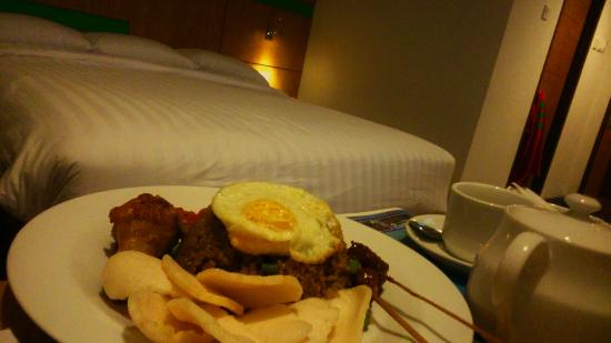 Food - Hotel Indonesia Kempinski Photo