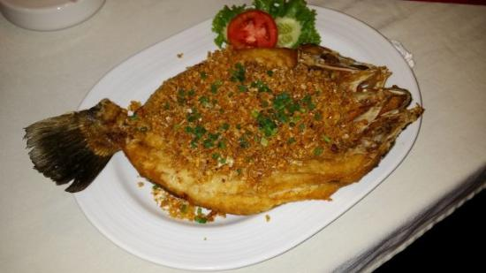 Saeng Duean Coffee & Restaurant: Fisch Thai