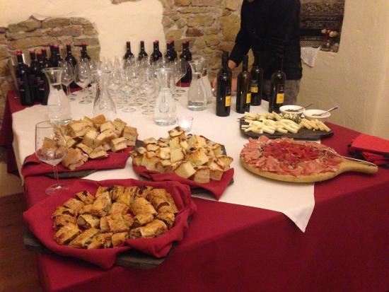 Buffet per festa di compleanno!! - Foto di Agritur Maso Tratta, Lavis - TripAdvisor