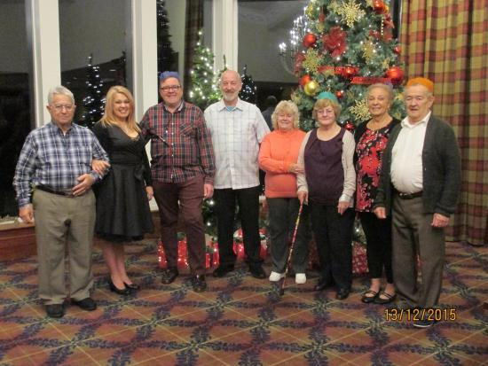 Ardgartan Hotel: Family group in the foyer