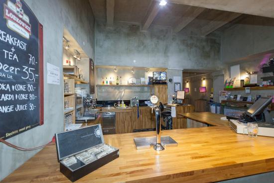 Mojo Inn: mojo bar