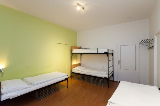 Mojo Inn: 4 mix dorm