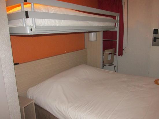 Premiere Classe Caen Est - Mondeville: chambre triple