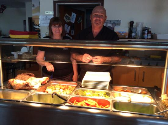 Lighthouse Cafe : Sunday Carvery with owners Steph and Steve. Two of the many puddings on offer, cheesecake and rh