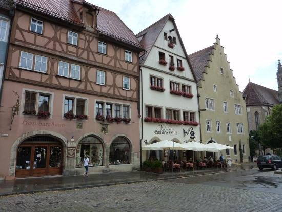 Hotel Gotisches Haus with outdoor seating Picture