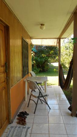 Cabinas Riverside: La terrasse privative avec hamac