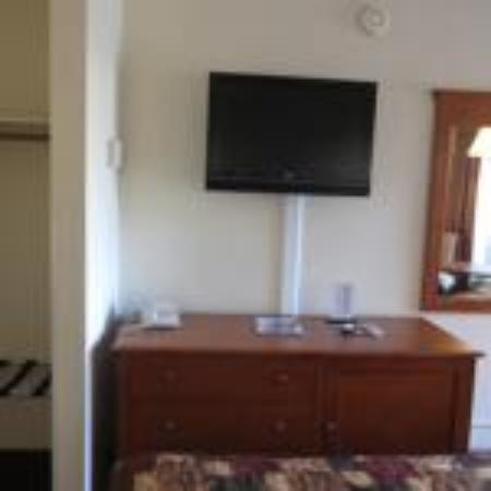 The Islander Motel: Flat Screen Television