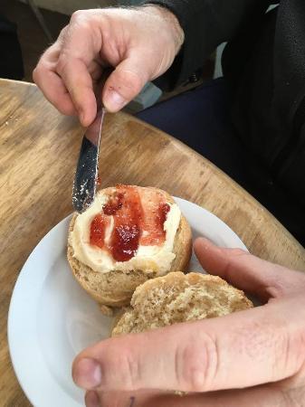 Seaton, UK: A Pretty Good Cream Tea