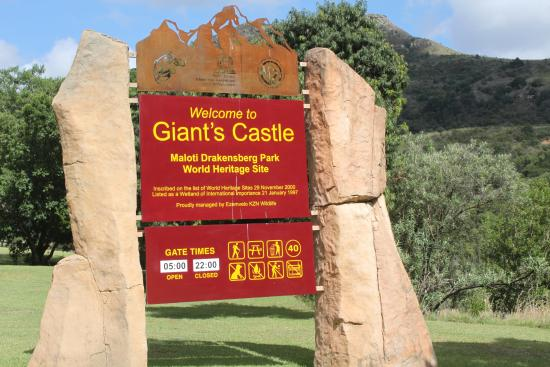 Giant's Castle Camp: Gate entrance