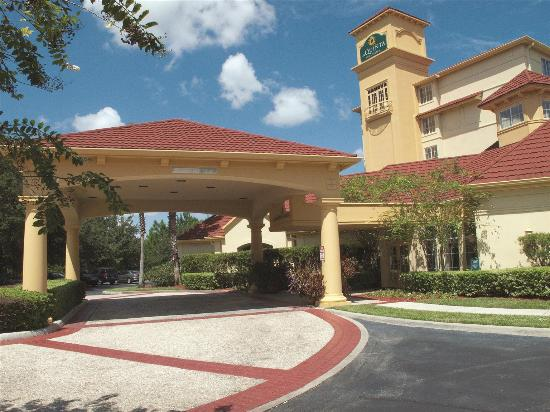 Photo of La Quinta Inn & Suites Orlando UCF