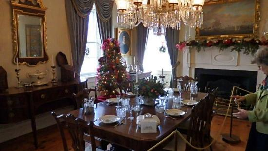 Morristown, NJ: Dining Table
