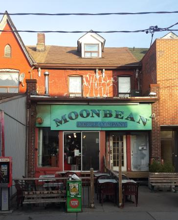 Moonbean Coffee Company : Storefront